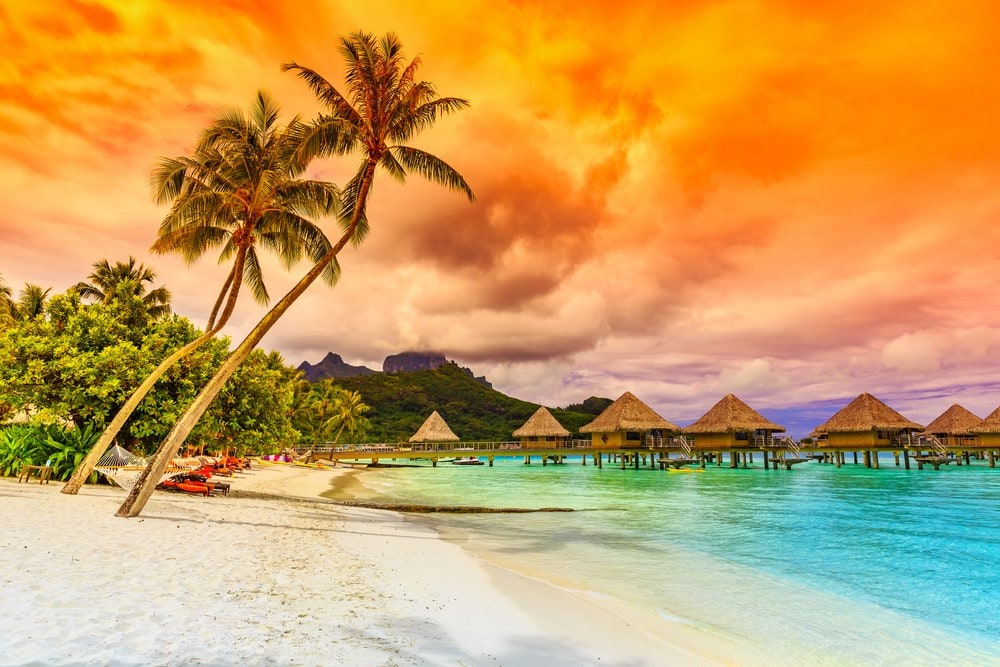 Bora Bora facts - feature image