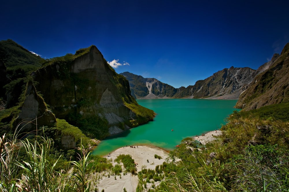 Mind-blowing volcanoes Mount Pinatubo, Phillipines