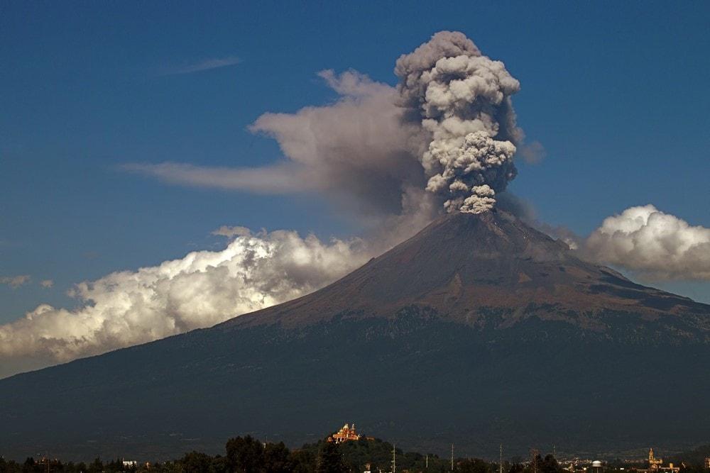 Mind-blowing volcanoes Popocatépetl Volcano, Mexico