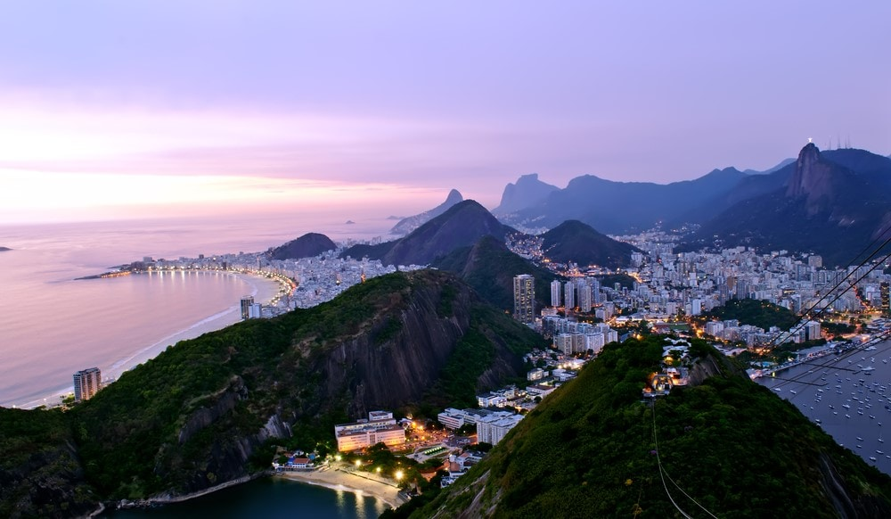 Facts about Rio The eighth largest library in the world is located in Rio