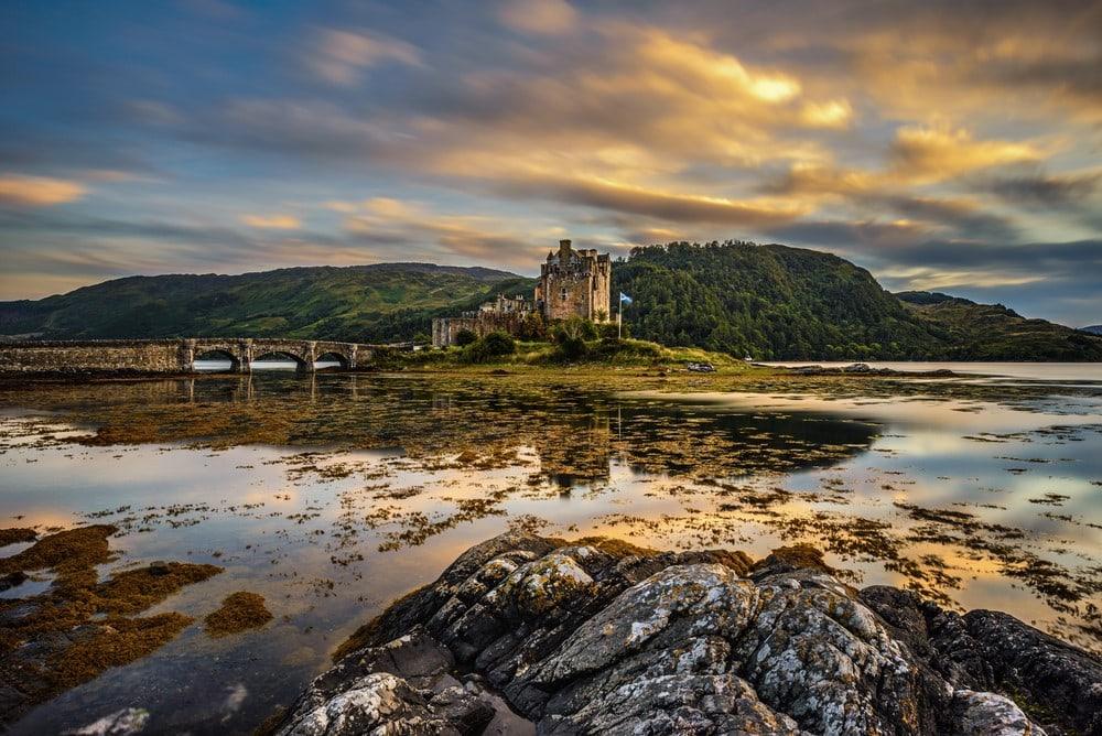 Traveling for free Keep an eye on a chateau - United Kingdom
