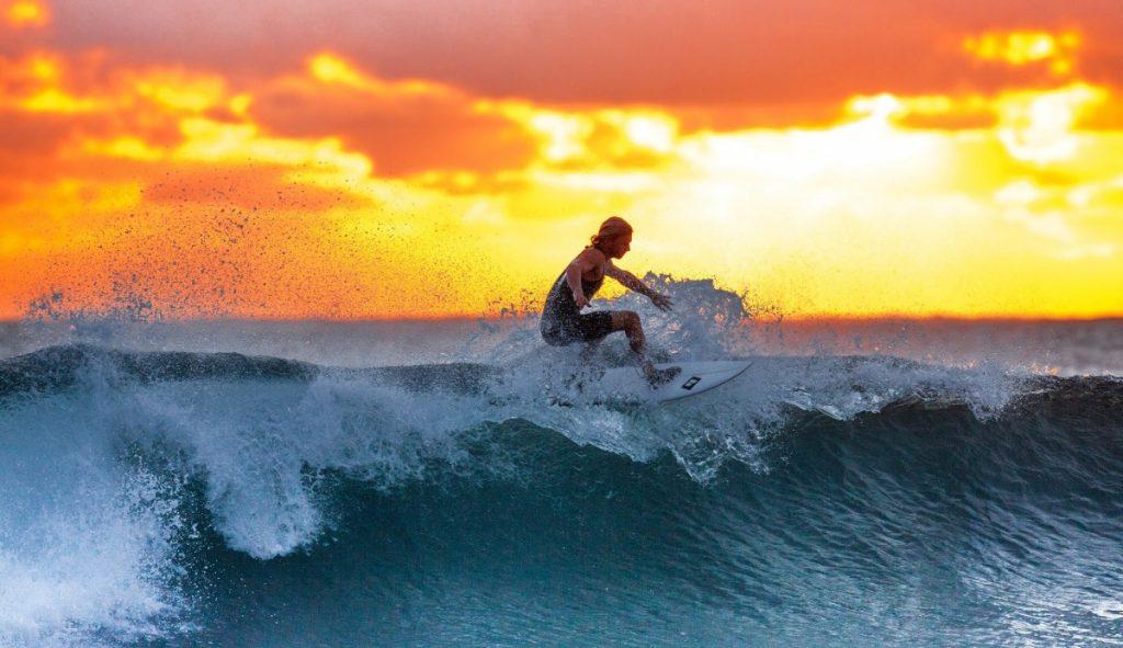 isla grande panama surfing